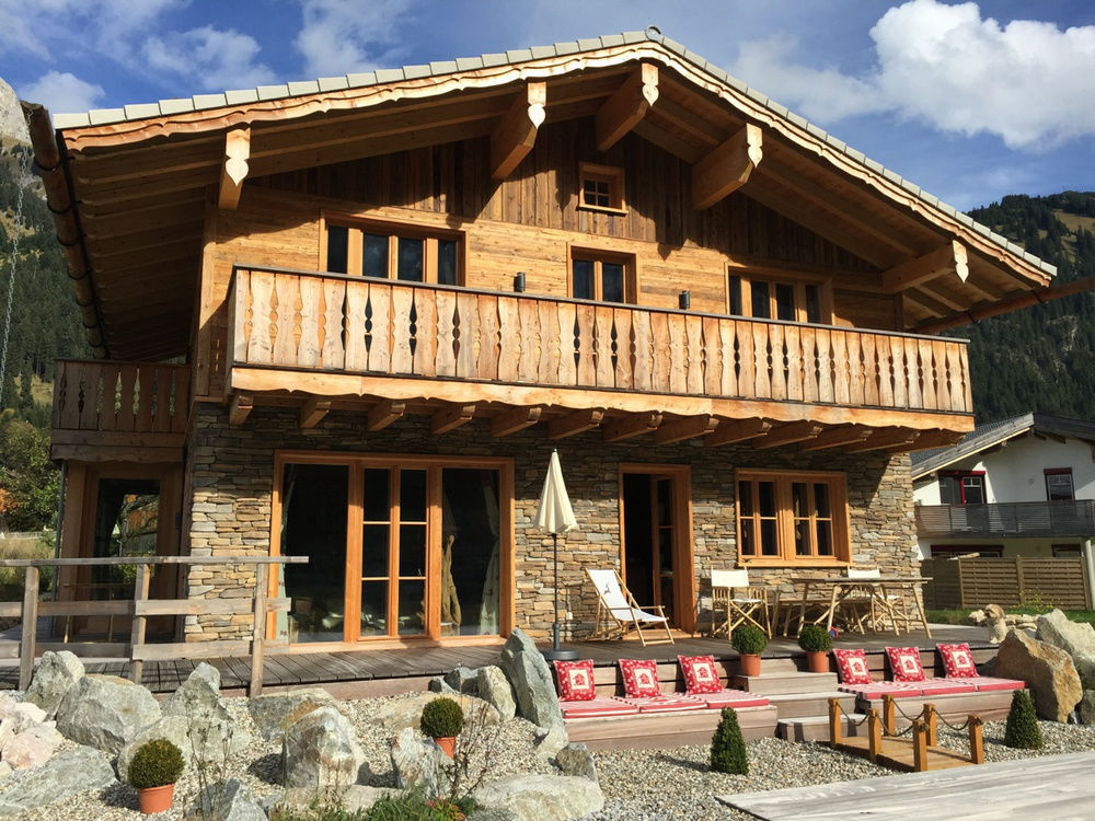 luxus chalet tirol sterreich bergh tten chalets tannheimer tal allg u bayern. Black Bedroom Furniture Sets. Home Design Ideas
